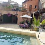 jardin-piscine, espace petit-déjeuner