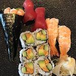 Photo of sushi raku