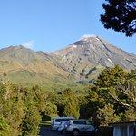 Photo de Dawson Falls Mountain Lodge