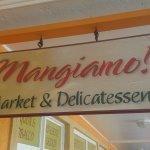 Photo de Mangiamo Market & Delicatessen