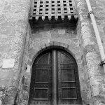 Portcullis door