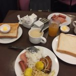 2 single beds and the buffet breakfast