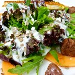 Salad with nuggets of roasted lamb filet