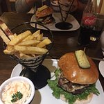 Photo de Fuego, Burgers and Barbecue Restaurant