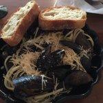 Mussel Linguini with garlic bread