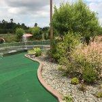 Foto de Hi-Knoll Driving Range & Mini-Golf