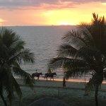 Smugglers Cove Beach Resort & Hotel Foto