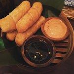 Tequeño - Massa de trigo, rellena de queso de vaca fresco.