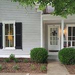 Foto de Colonel's Cottage Inns