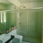 Ensuite bathroom (Private room)