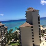 Photo de Embassy Suites by Hilton Waikiki Beach Walk