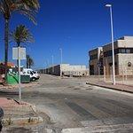 Frente al Puerto Deportivo