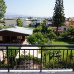 4-bed, 2-room apartment with garden view.