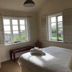 'Splash' House bedroom with sea views