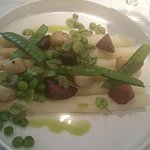 Vegan main course: asperges, potatoes, green peas
