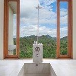 Aravali Suite / Bath Tub / View Of Hills