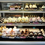 Cupcake Charlie's - Choices, Choices!