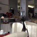 Photo of La Perla Hotel