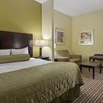 Foto de Best Western Plus Brunswick Inn & Suites