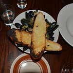 Mussels, served with toasted ciabatta bread