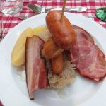 Main: bacon, ham and sausages with sauerkraut