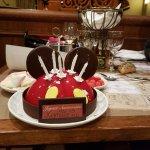 Gâteau d'anniversaire pour notre fille, commandé en début de repas et excellent !