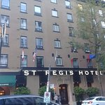 Photo de St. Regis Hotel