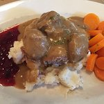 Meat balls, mashed potatoes & carrots