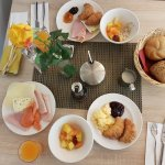 Comfort Room & Breakfast