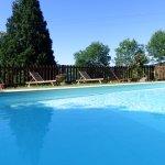 piscine à bonne température à la verrière