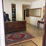 Photo de Hotel San Zulian