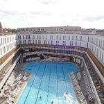 piscine extérieure vue du 4eme étage