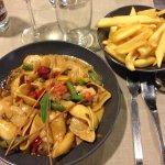 Pates italienne avec noix de saint jacques, crevette et champignons