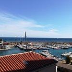 Vistas al puerto desde la habitacion del hotel