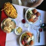 Malakoff salades variées et frites