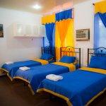 HABITACION TRIPLE CON 3 CAMAS INDIVIDUALES / ROOM WITH 3 SINGLE BED