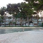 Vom Strand Blick Richtung Hotel
