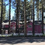 Front view of the beautiful Apples Bed and Breakfast Inn in Big Bear California