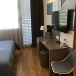 Photo de Discovery Hotel