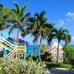 Photo de Compass Point Beach Resort