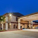 Best Western Deer Park Inn & Suites Photo