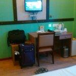 Work Station & TV