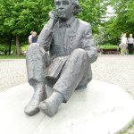 Festival founder Jannsen statue