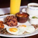 """""""Despertando con Los Ranchos"""" Los nuevos desayunos de Viernes a Domingo de 8am a 11am."""