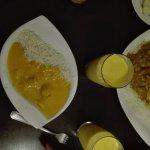 """Porzione piccola di """"chicken mango"""" con Mango lassi"""