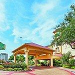 Photo of La Quinta Inn & Suites Houston Galleria Area