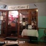 Mad Hatters, Hamilton, Bermuda 👒🎓🎩👒🎓🎩