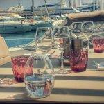 Table au Bord de l'eau