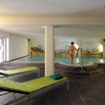 Das hoteleigene Hallenbad wird nicht nur von Familien mit Kindern sehr geschätzt.