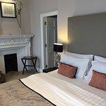 Photo de Montagu Place Hotel